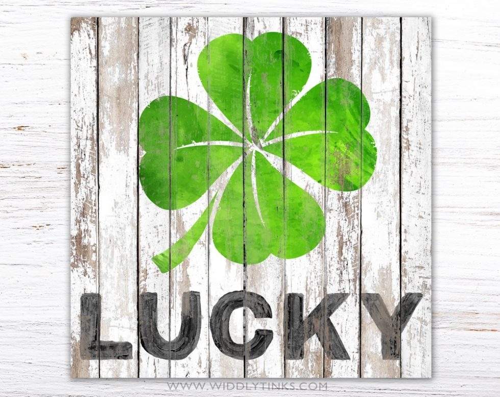 lucky clover st patricks day sign simple