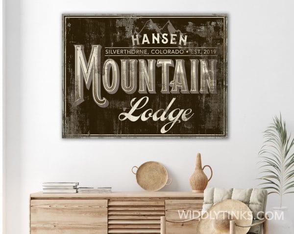 mountain lodge brown room2