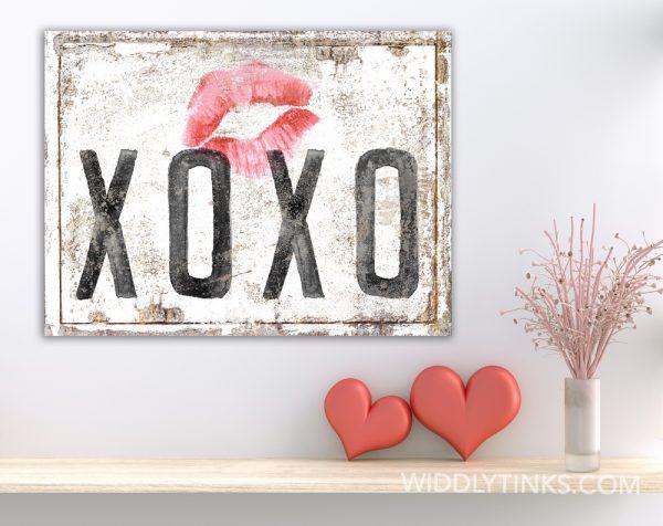 vintage farmhouse rusty xoxo hugs kisses white room